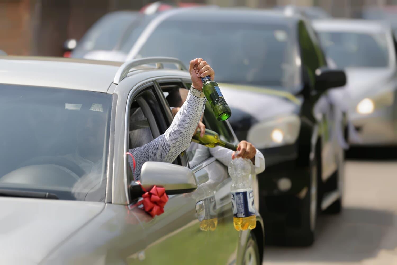 bouteille, contrôle de la circulation, pilote, consommation d'alcool, bière, trafic, alcool, voitures, embouteillage, vin blanc