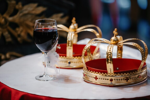 crown, coronation, gold, red wine, religious, christian, orthodox, drink, luxury, glass
