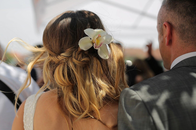 Orchidee, blonde Haare, Blondine, Frisur, Blume, Mode, Outfit, Frau, Liebe, Mädchen