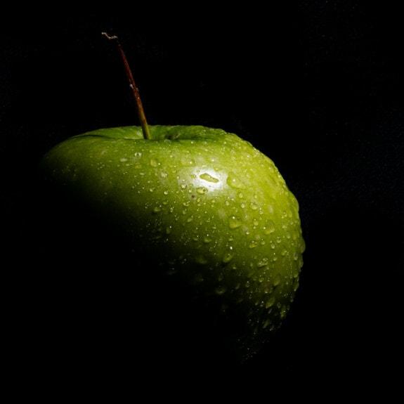grønlig gul, æble, fotografering, fotostudie, helt tæt, mørket, dug, fugt, æbler, mad