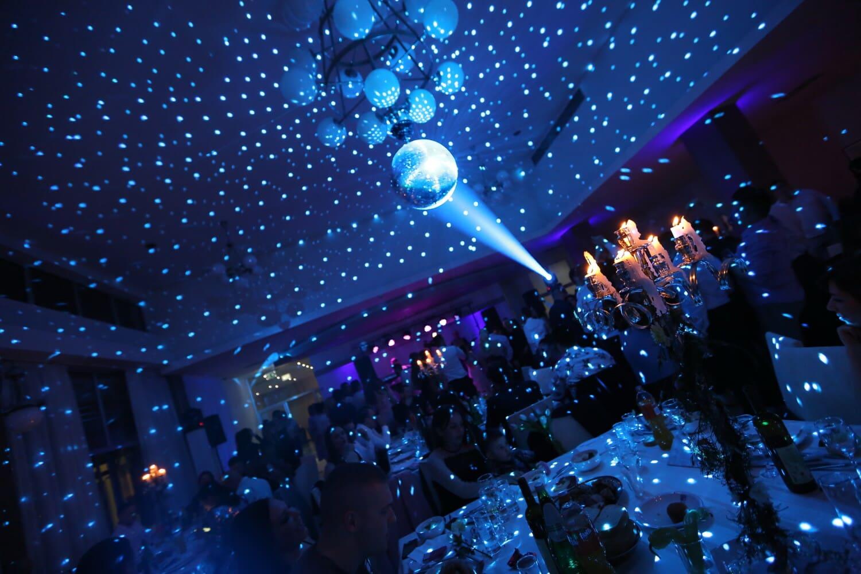 nouvel an, Vie nocturne, parti, célébration, boîte de nuit, atmosphère, décoration, spectaculaire, Spotlight, lumière