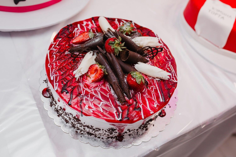 gâteau au chocolat, chocolat au lait, chocolat, fraises, dessert, décoratifs, frais, plaque, sucre, crème