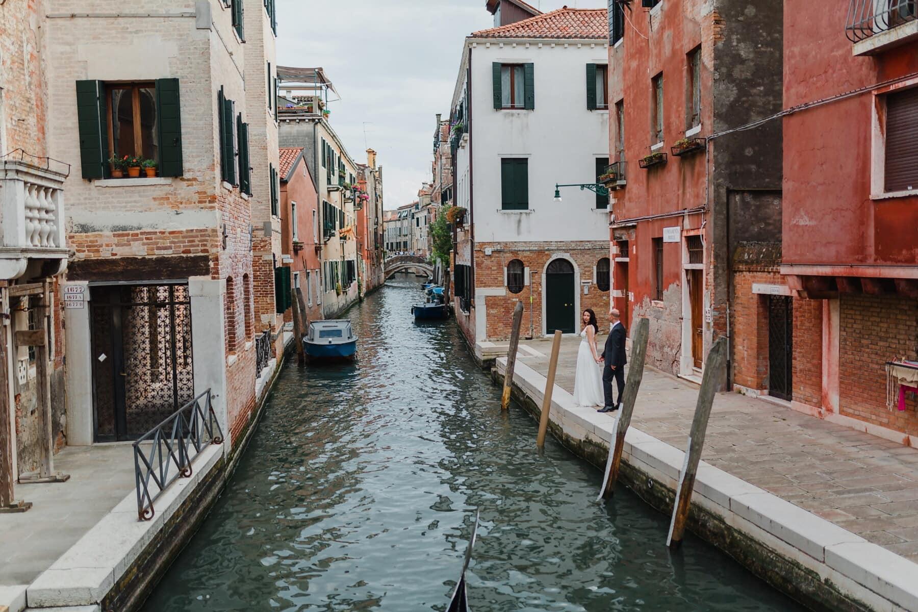 Liebesbeziehung, Gondel, Italien, romantische, touristische Attraktion, Straße, Architektur, Stadt, Kanal, Wasser