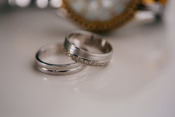 platinum, rings, close-up, jewel, jewelry, bracelet, luxury, wedding ring, still life, blur