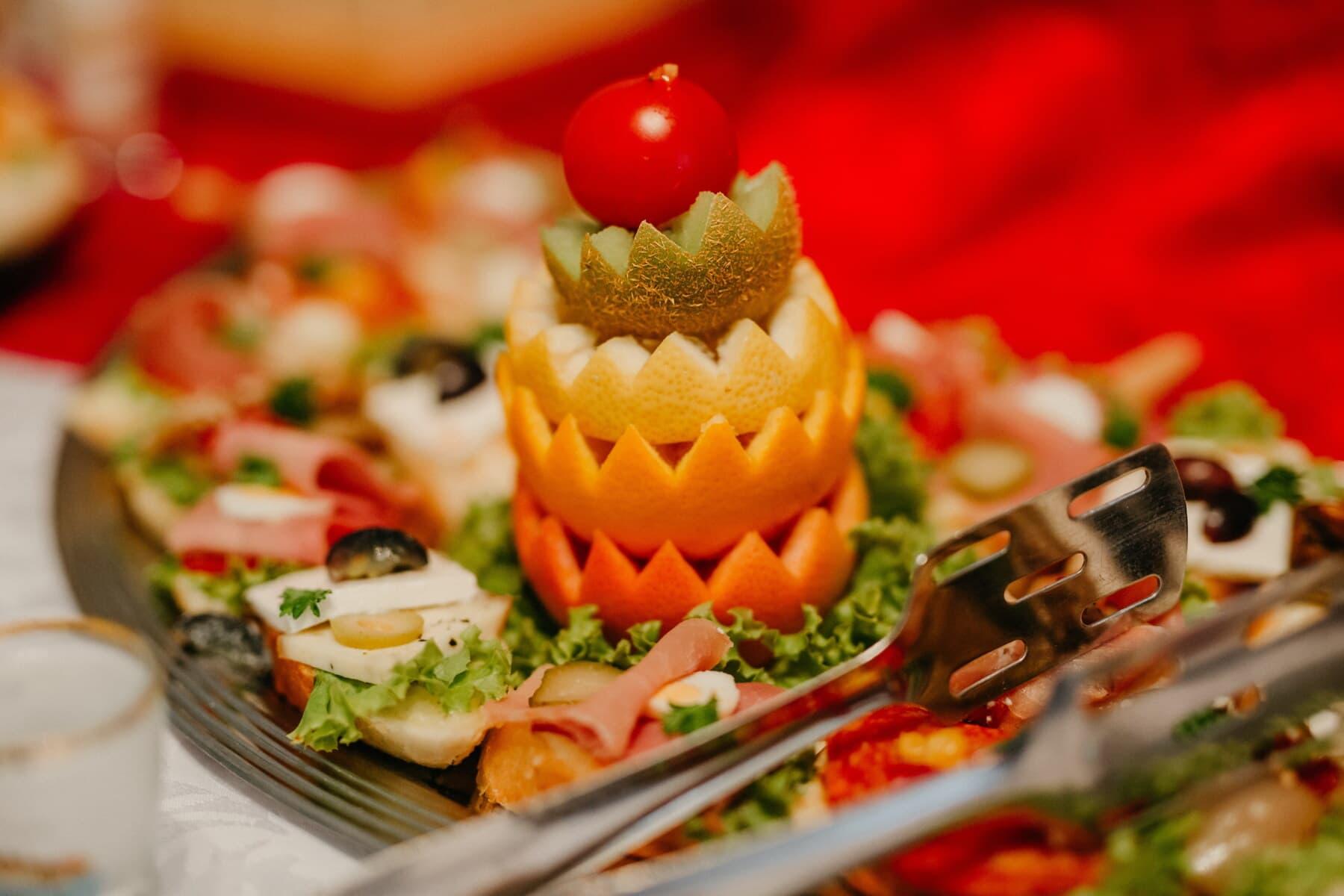 lanche, salada, quivi, buffet de saladas, laranjas, casca de laranja, delicioso, aperitivo, jantar, vegetal
