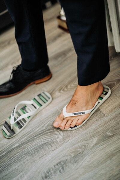 homme, pied, debout, pieds nus, chaussures, pantoufles, confortable, chaussure, mode, en cuir