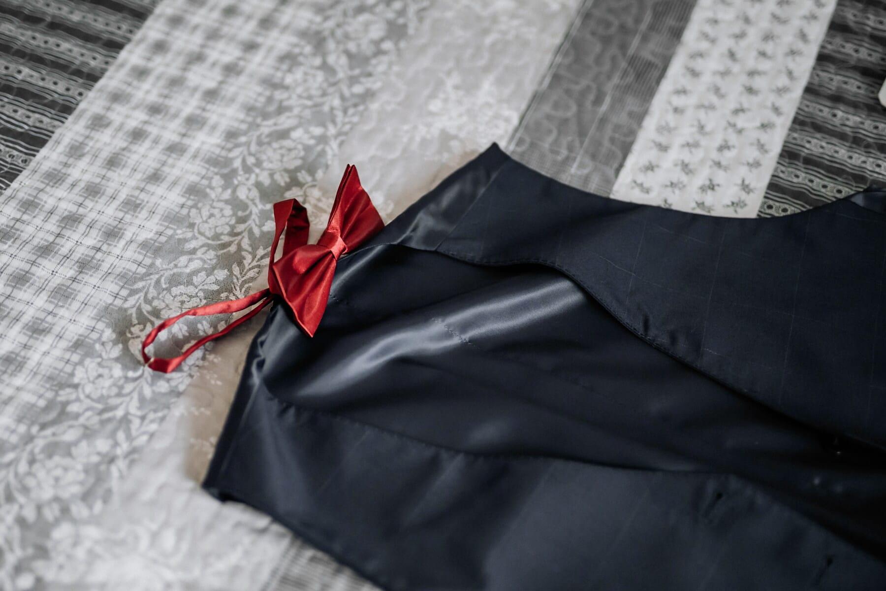 สีแดง, หูกระต่าย, เตียง, ชุดทักซิโด้, แฟชั่น, ผ้าไหม, สิ่งทอ, สง่างาม, ผ้า, ส่องแสง