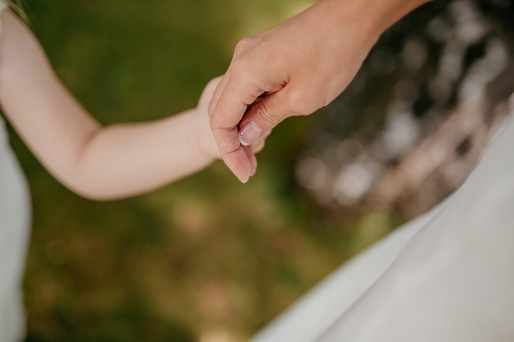 țin de mâini, mâinile, Maternitatea, deget, mama, atingere, fiica, familia, dragoste, încredere