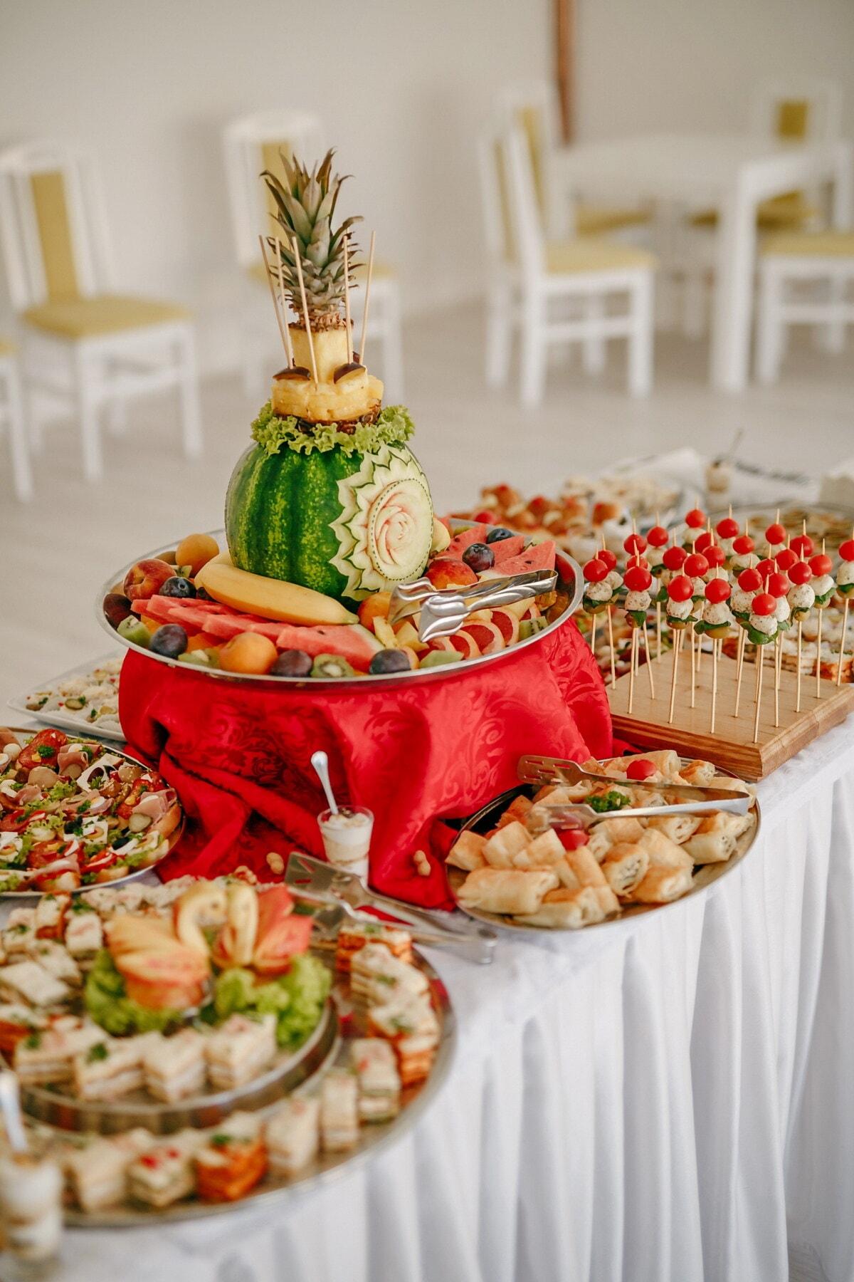 watermeloen, houtsnijwerk, snack, ontbijtbuffet, voedsel, heerlijke, gebakken goederen, diner, feestzaal, restaurant