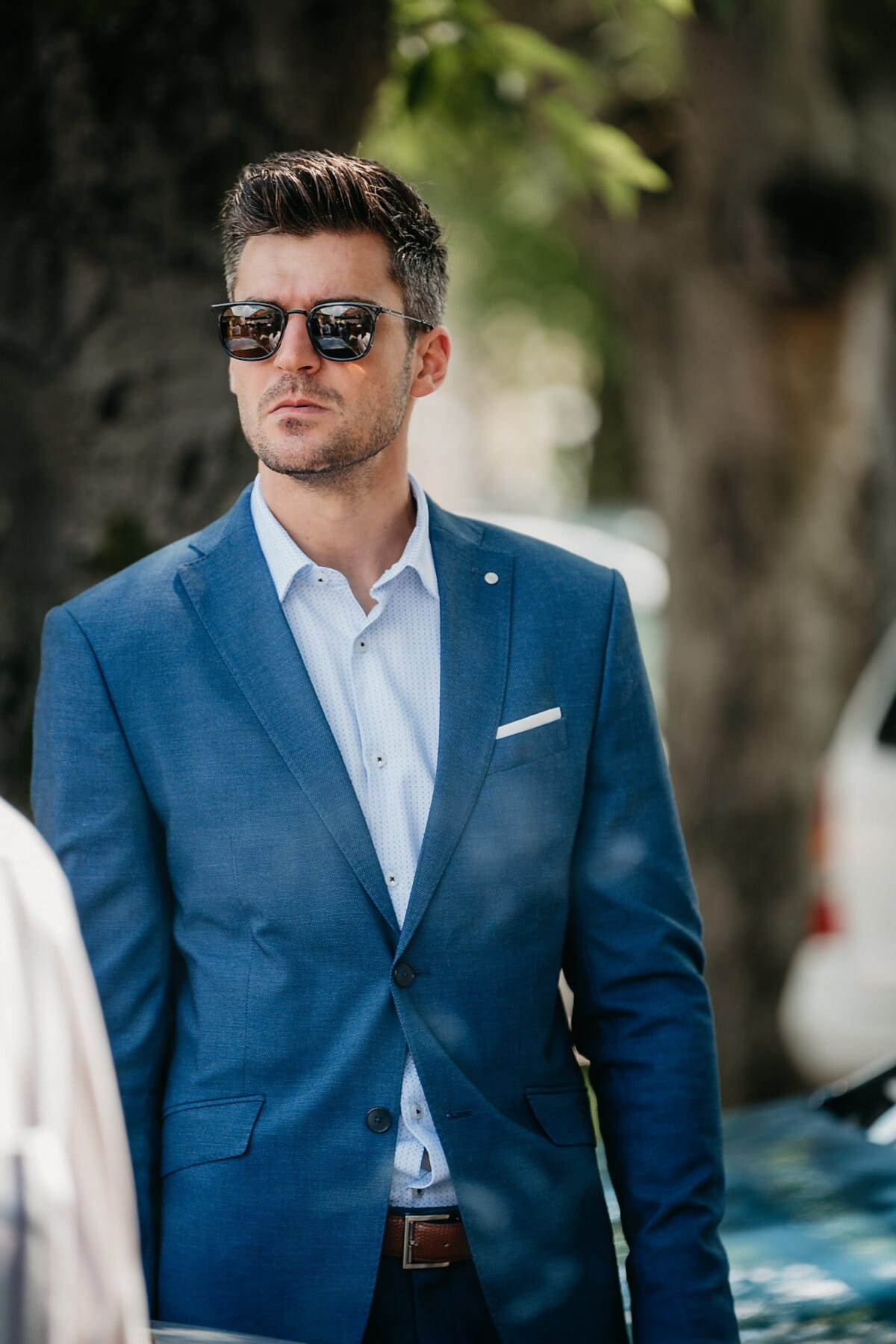 homme, debout, professionnel, Gestionnaire, Smart, Portrait, homme d'affaire, entreprise, exécutif, costume