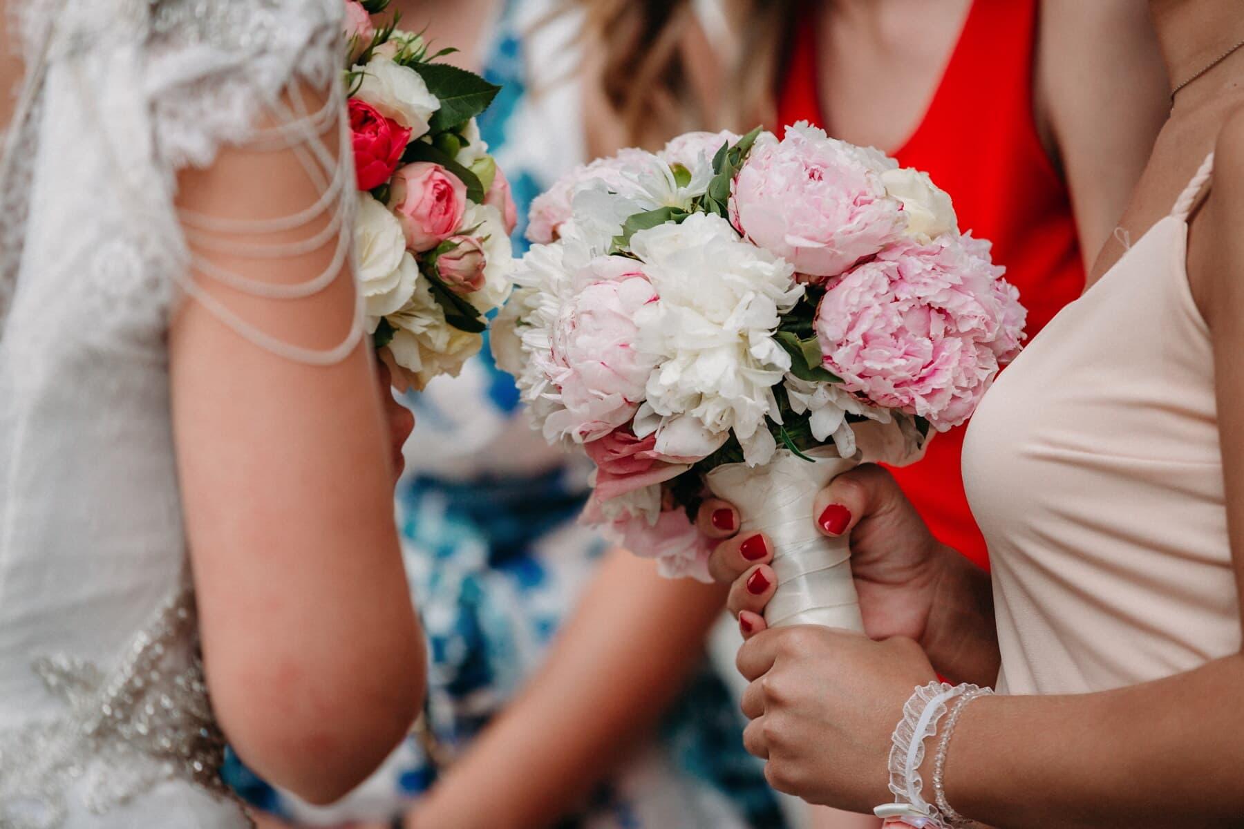 meisjes, bruiloft, vriendin, vrouwen, bruidsboeket, bruid, huwelijk, emotie, genegenheid, tederheid