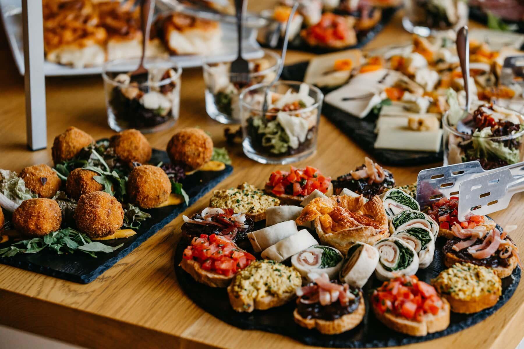 vom Buffet, Fast-food, Restaurant, Essen, Mittagessen, Platte, Mahlzeit, sehr lecker, Still-Leben, Gemüse