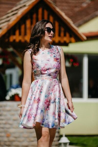Brünette, posiert, herrlich, Kleid, bunte, schlank, Körper, attraktiv, Mode, Frau