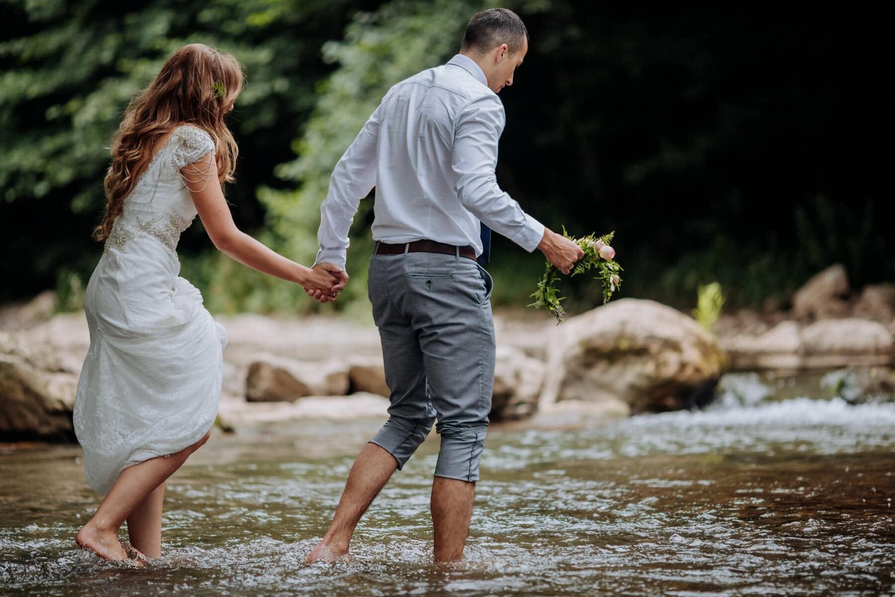 femme, homme, Tableau de concordance, rivière, jambes, pieds nus, heureux, à l'extérieur, amour, eau
