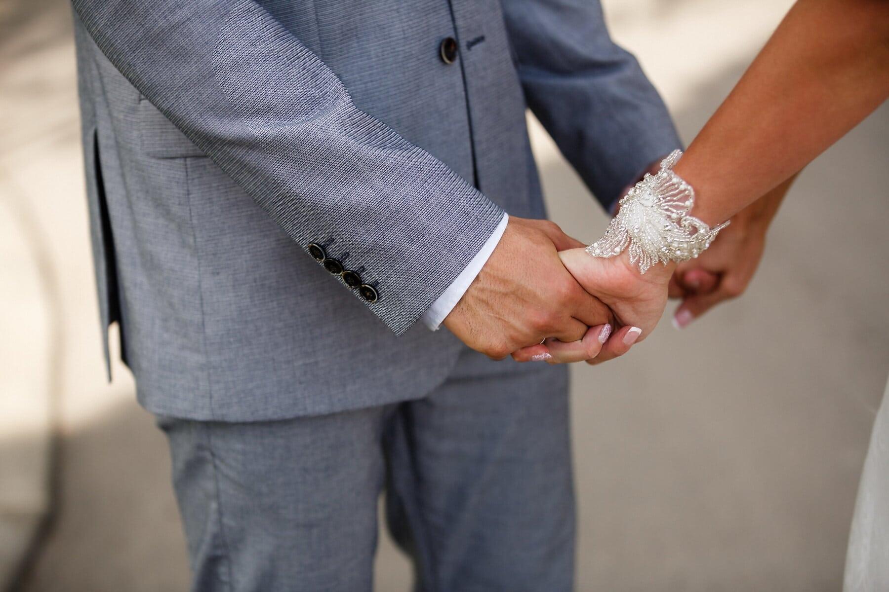homme, femme, mains, main dans la main, La Saint-Valentin, bras, relation, costume, vêtements, partenariat