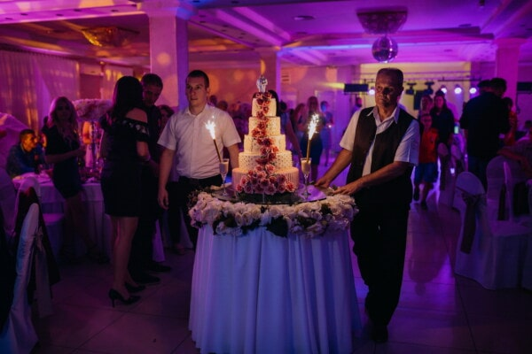 wedding cake, hotel, bartender, wedding, ceremony, nightclub, spectator, crowd, spectacular, performance