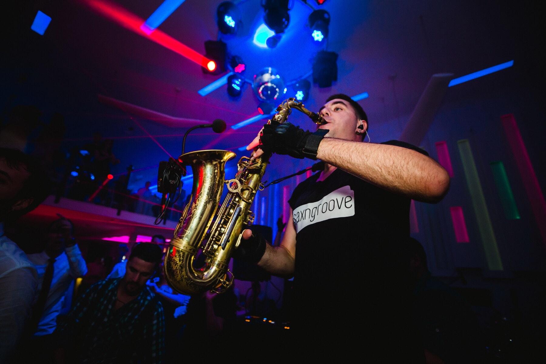 saxofon, strana, koncertní sál, noční klub, Noční život, koncert, umělec, hudba, bavič, výkon