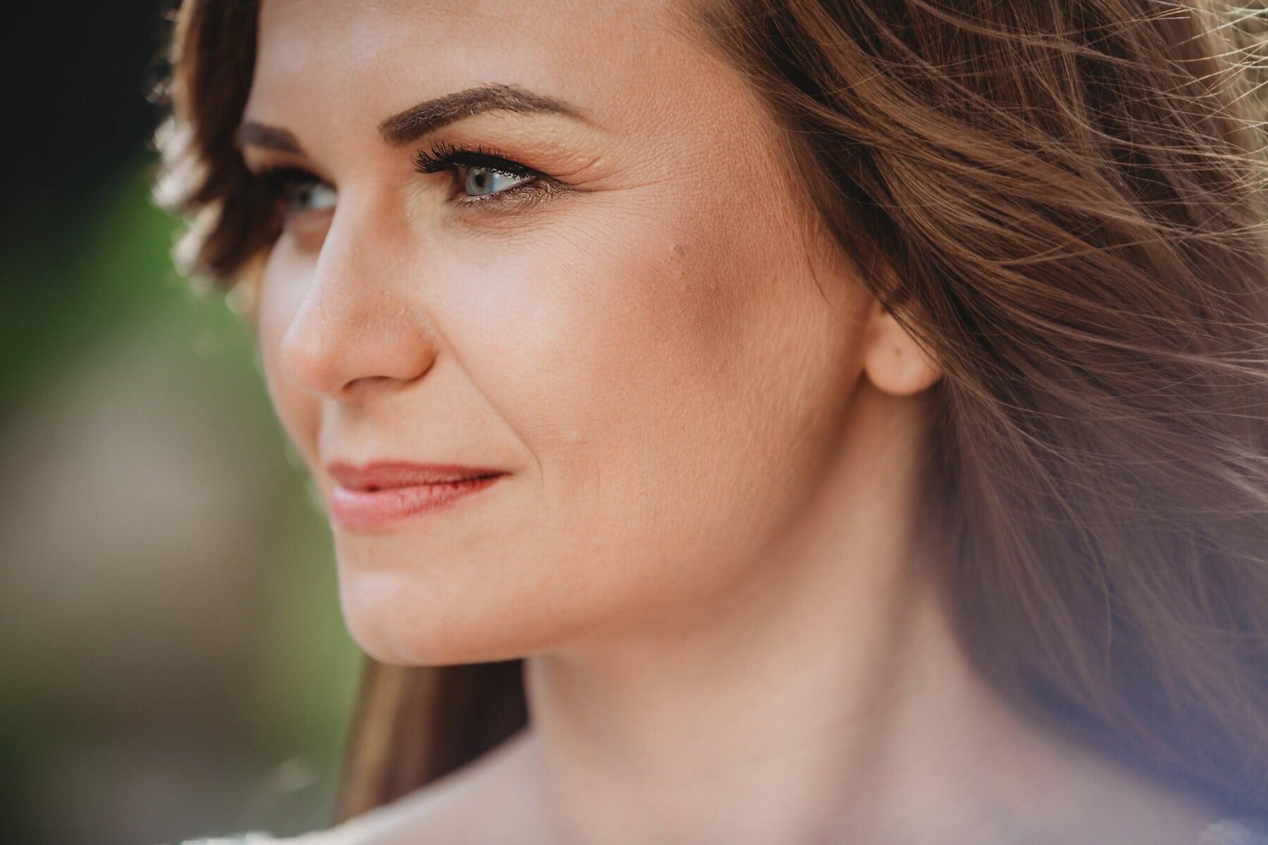 portrét, žena, zblízka, boční pohled, krásné, krk, rtěnka, oči, rty, kůže