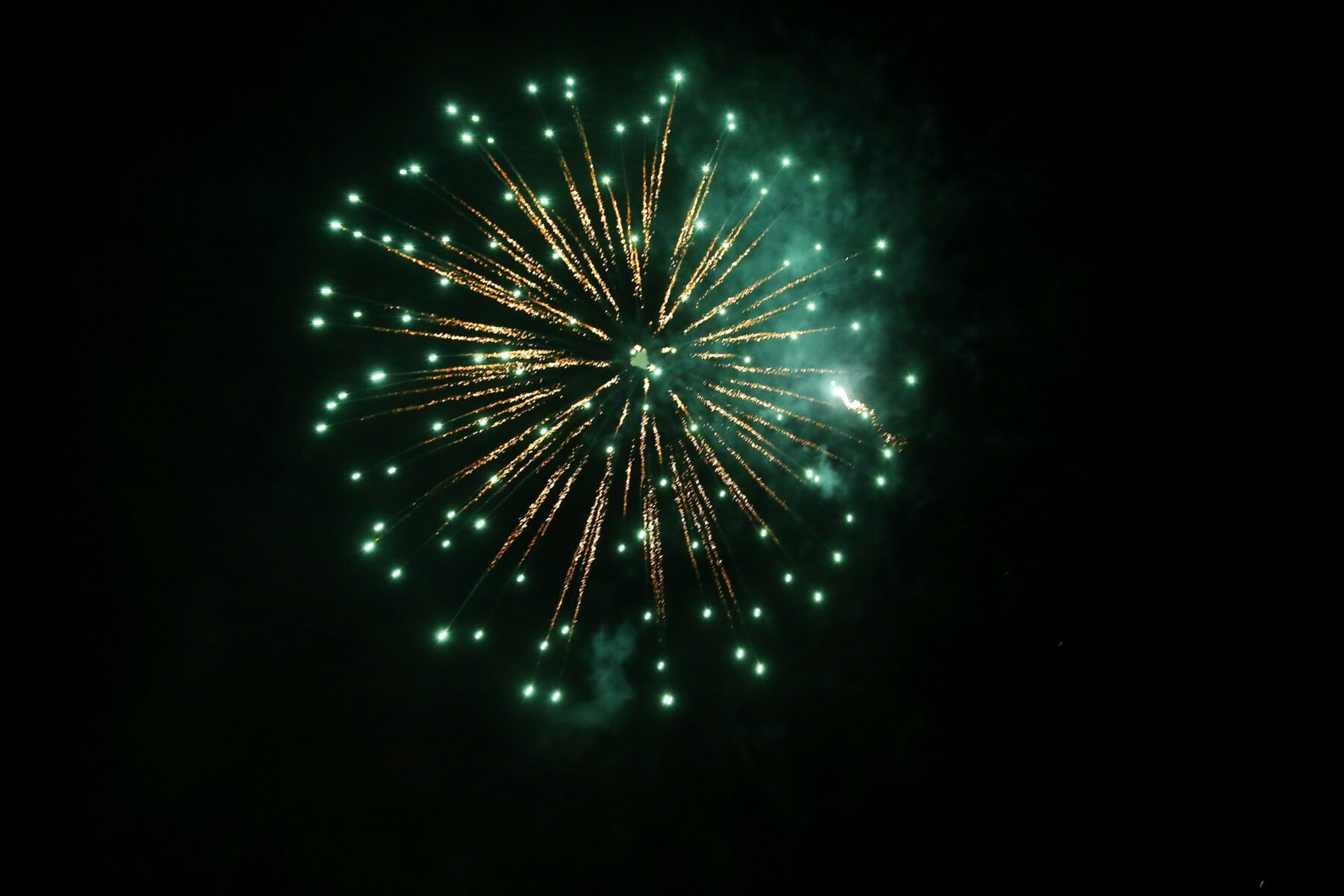 新年, 花火, スパーク, 夜間, 夜, 緑色のライト, 祭, お祝い, 花火, 爆発