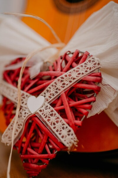 handmade, reddish, heart, gifts, romantic, wood, still life, traditional, fashion, color