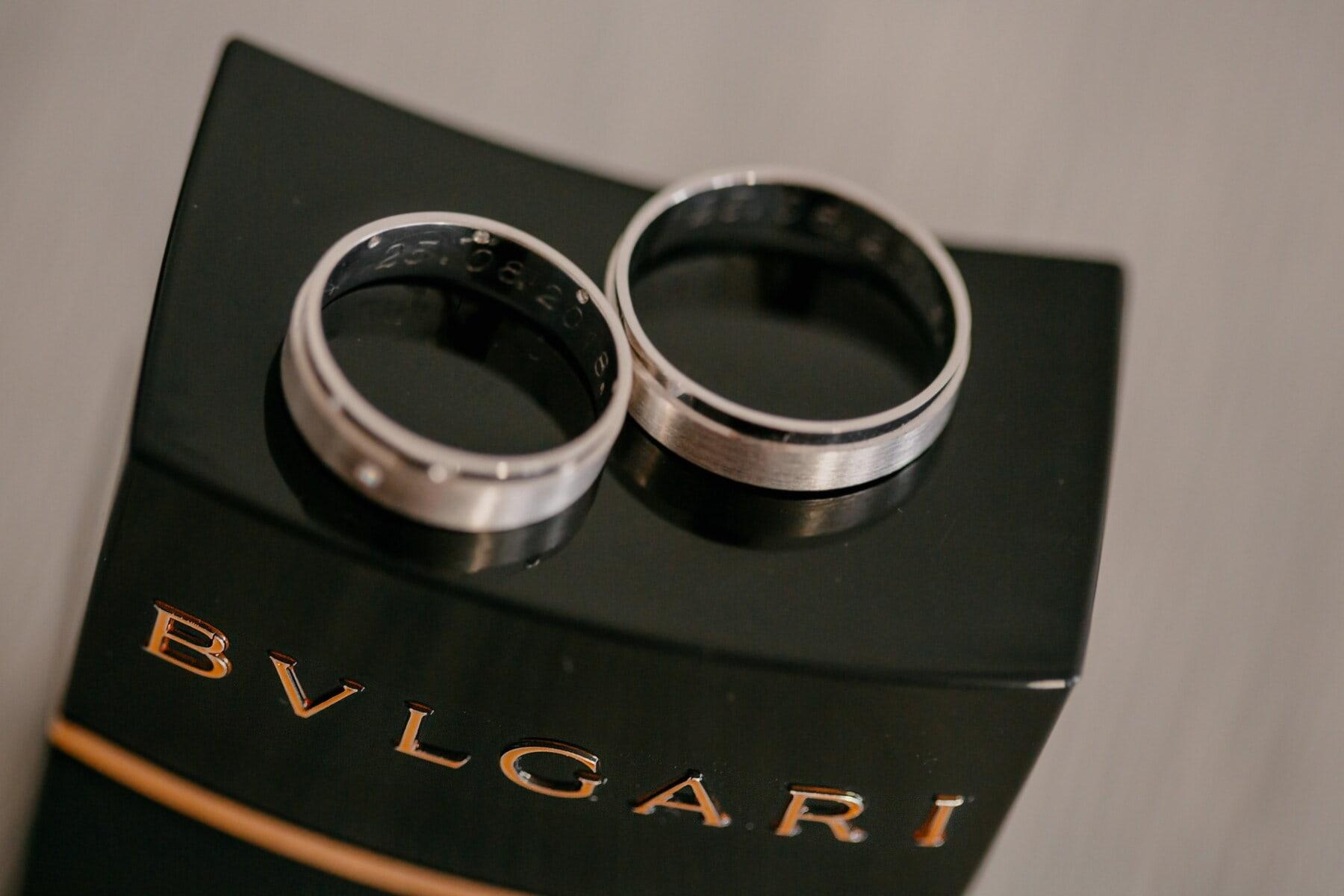 platinum, wedding ring, perfume, famous, expensive, classic, still life, wedding, vintage, black