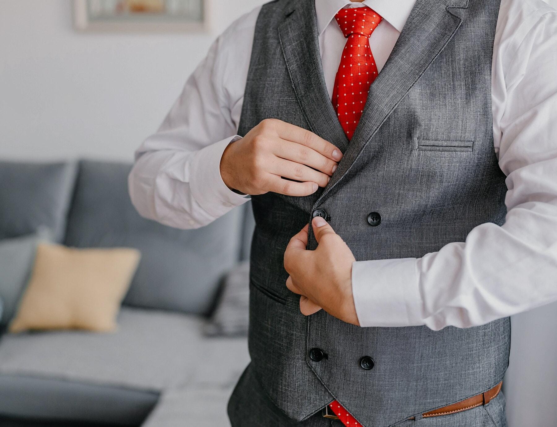 ผู้จัดการ, ชุดทักซิโด้, สีแดง, ผูก, นักธุรกิจ, ตัดเย็บเสื้อผ้า, คน, ธุรกิจ, เหมาะสมกับ, เสื้อผ้า