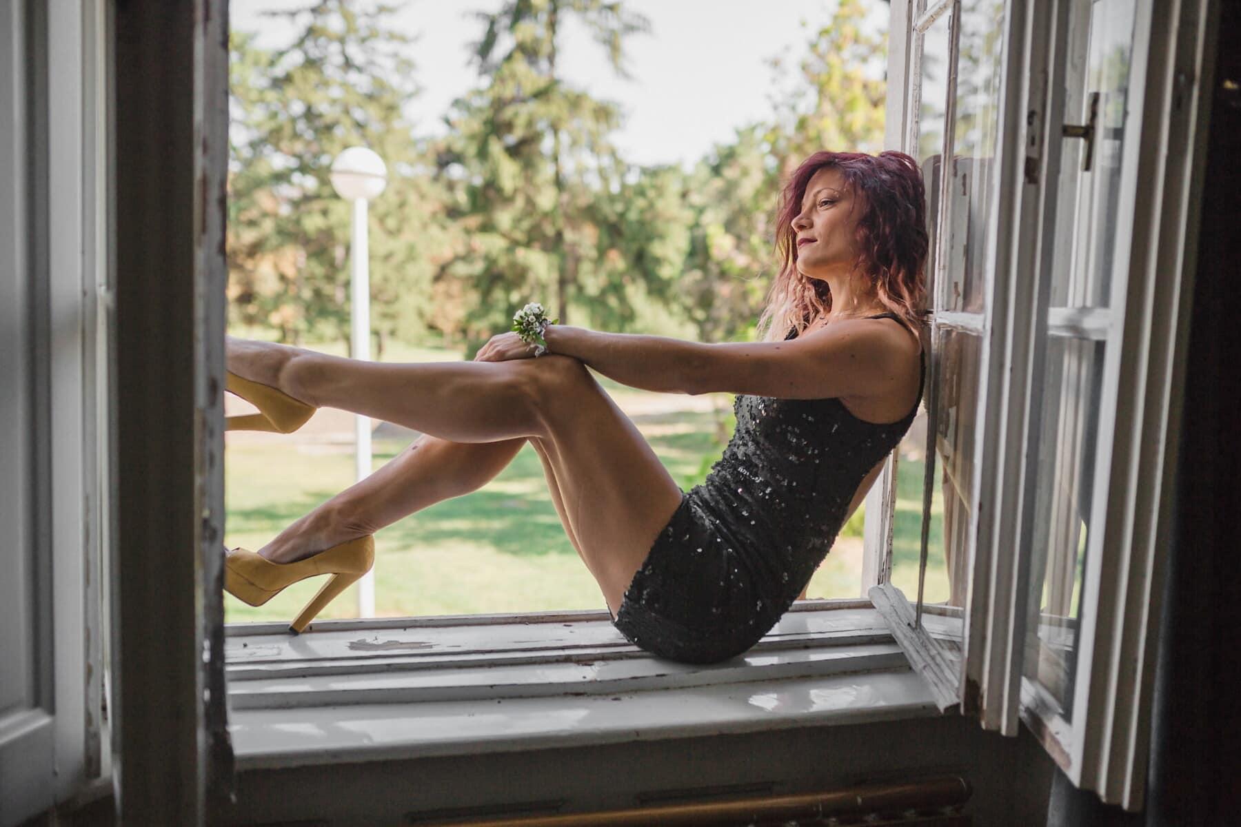 schlank, junge Frau, posiert, Körper, Beine, hinlegen, Modell, Frau, Mädchen, Fenster
