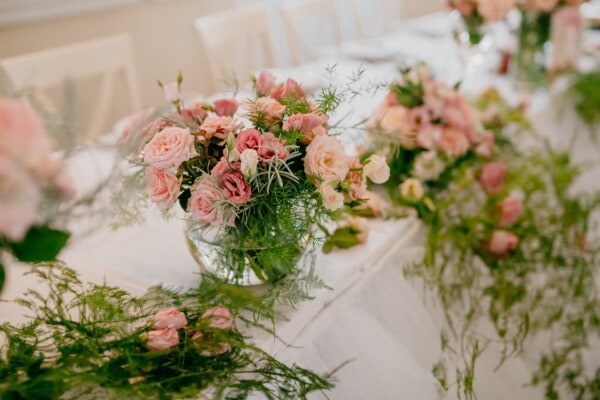 bouquet, decoration, arrangement, flower, rose, nature, romance, cluster, reception, vase