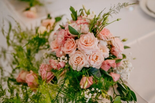 pastel, roses, bouquet, pinkish, lunchroom, tablecloth, table, dining, decoration, arrangement