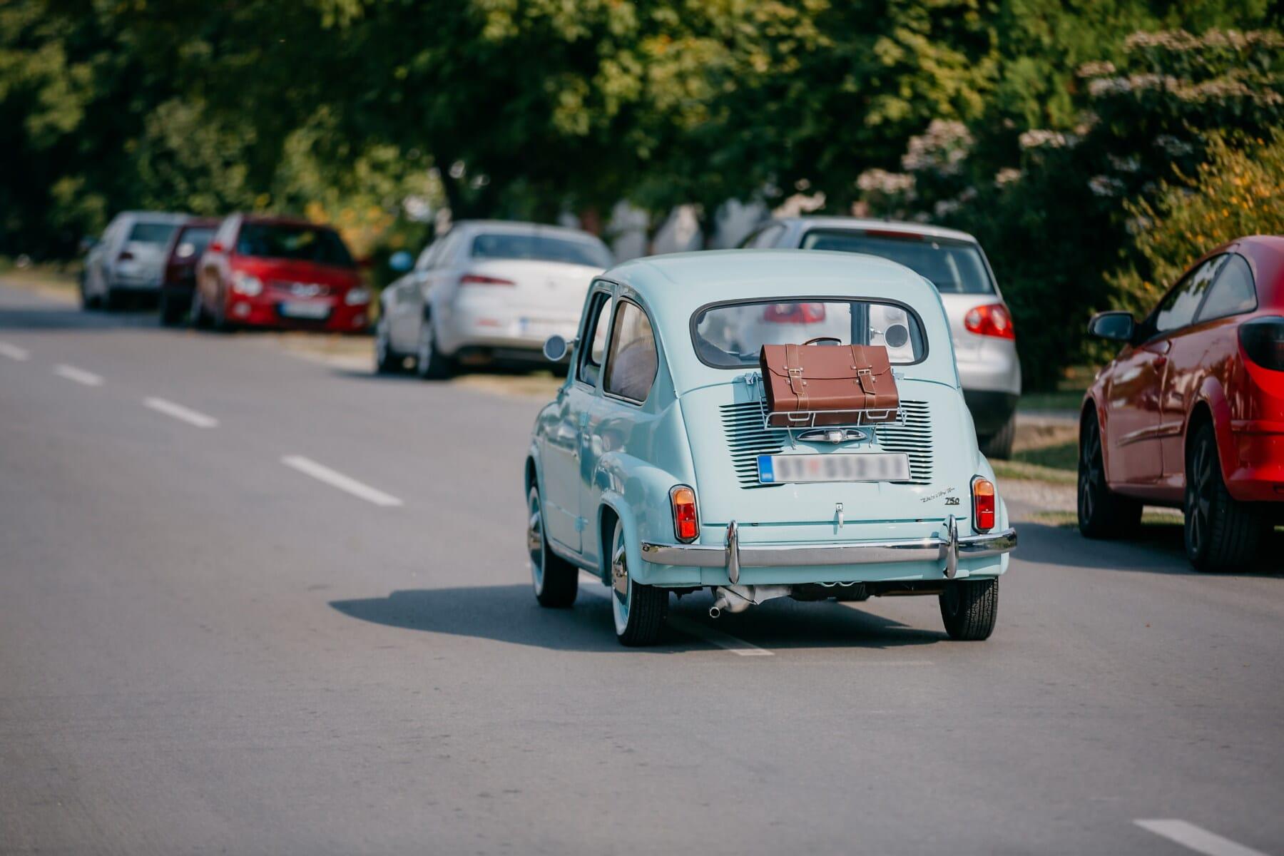 Fiat 750, voiture, miniature, oldtimer, chaussée, asphalte, Itinéraire, bagages, voyage, rue, automobile