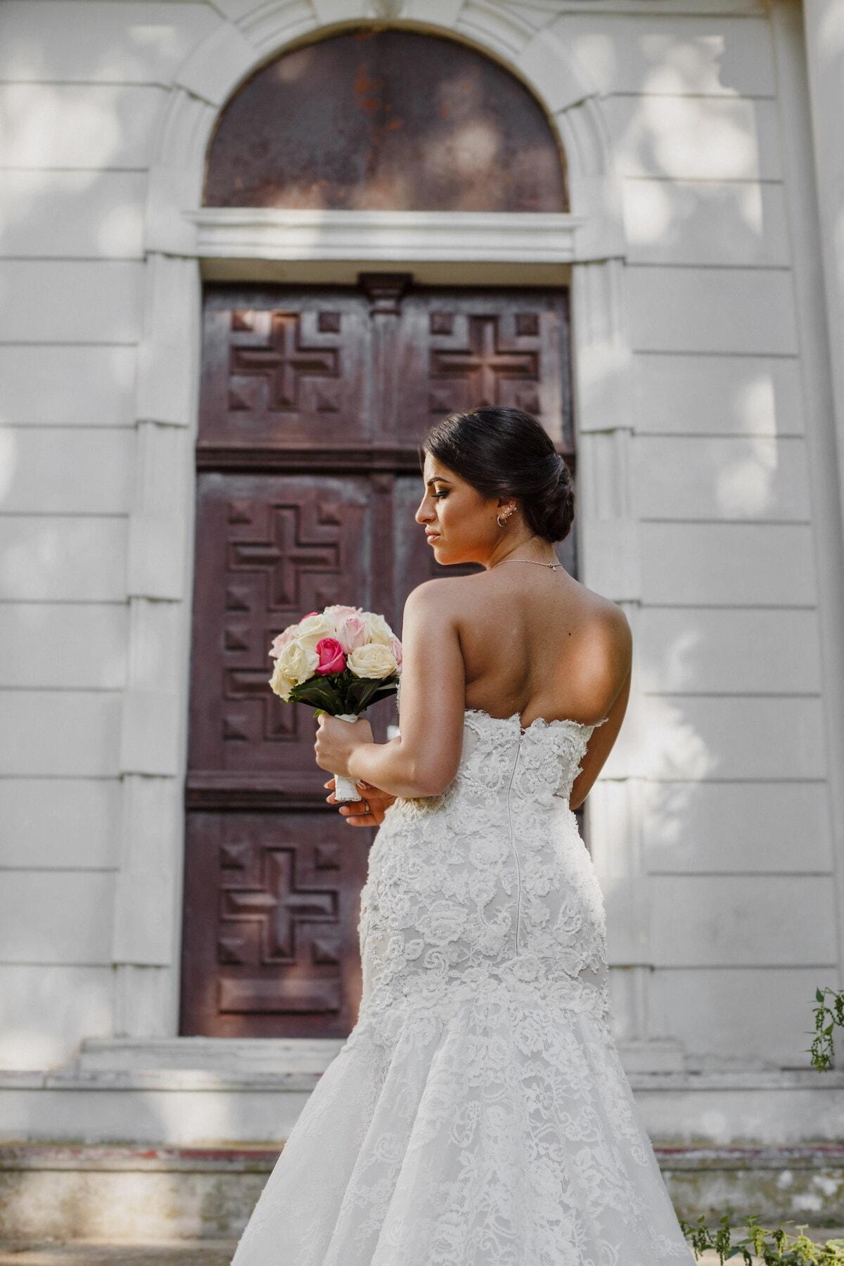 vestido de novia, posando, novia, hombro, boda, vertical, personas, chica, mujer, al aire libre