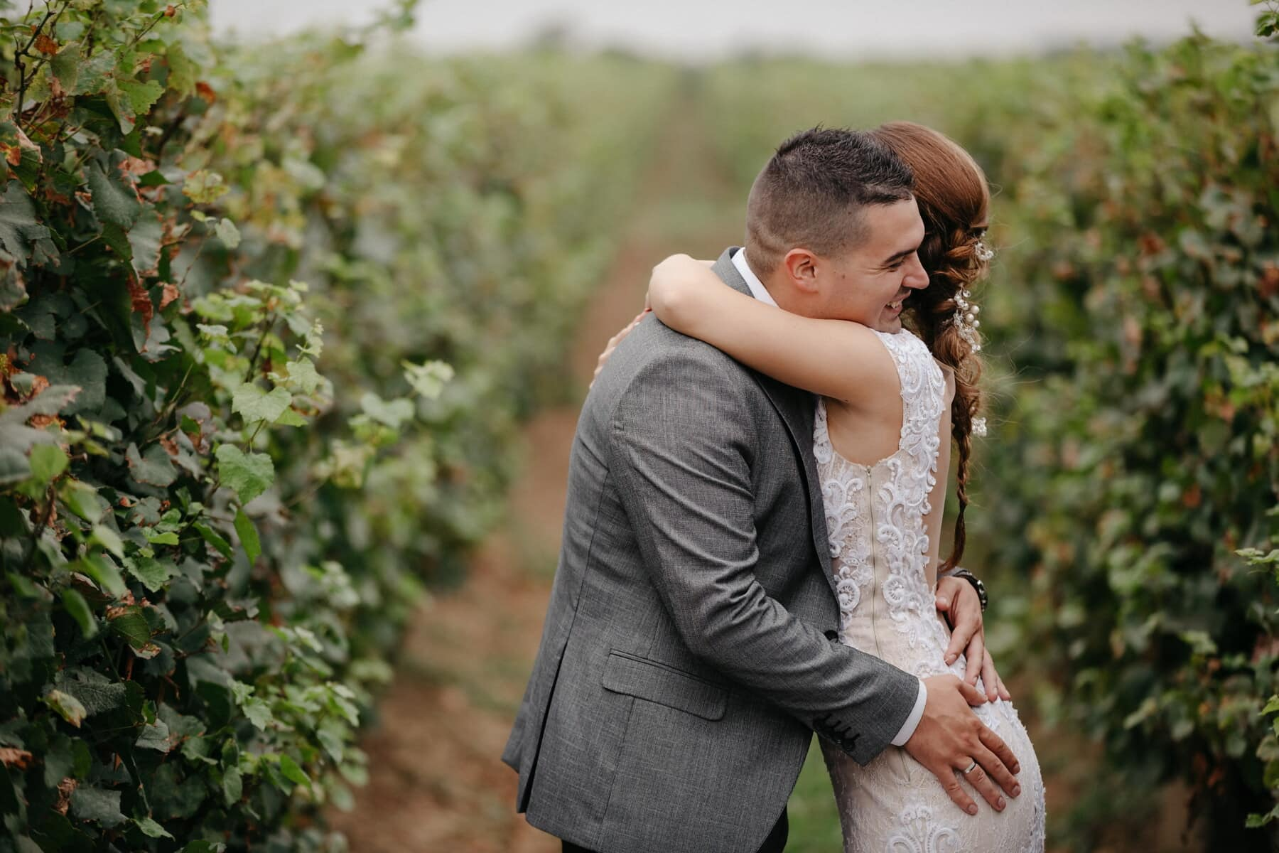 vineyard, love, hugging, love date, lover, romantic, park, outdoors, portrait, nature