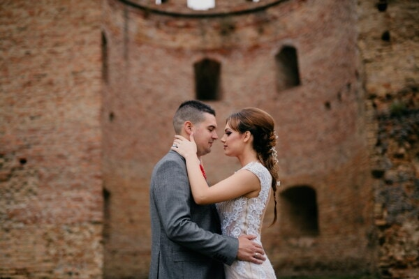 landmark, boyfriend, historic, castle, girlfriend, hugging, kiss, woman, love, outdoors