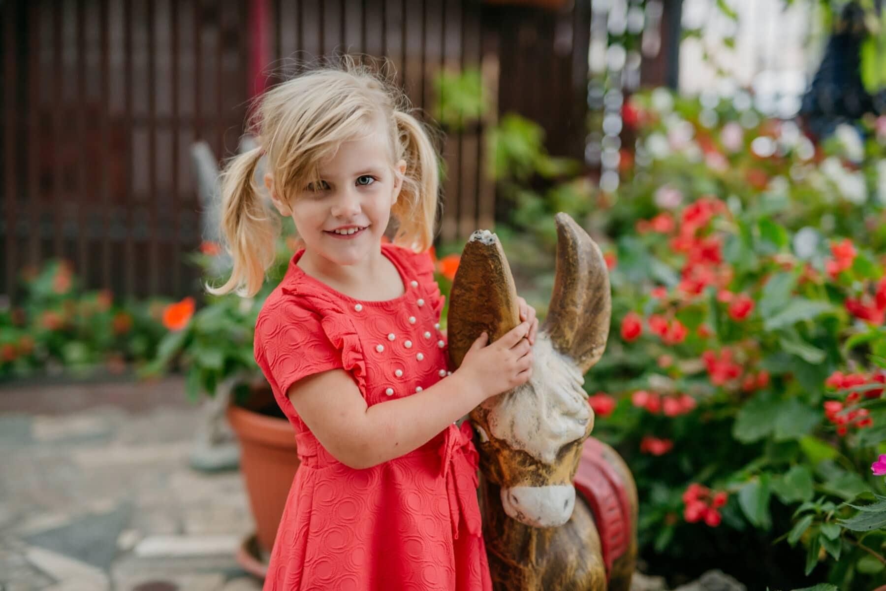 hřiště, hravý, Blondýna, dítě, hezké děvče, hračka, fajn, venku, děvče, příroda
