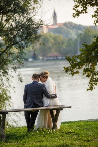romântico, momento, noiva, noivo, ternura, banco, relaxamento, amor, casamento, menina
