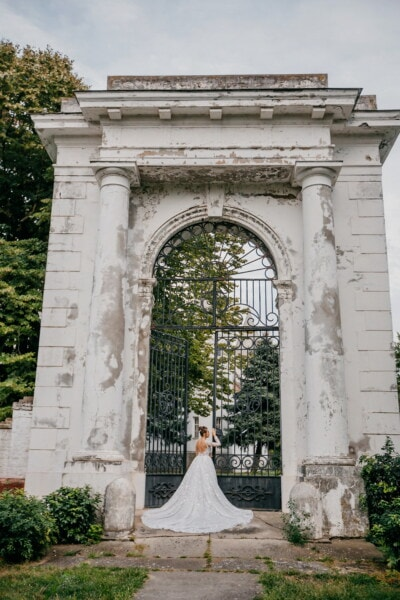 castle, gate, entrance, gateway, princess, landmark, memorial, architecture, structure, arch