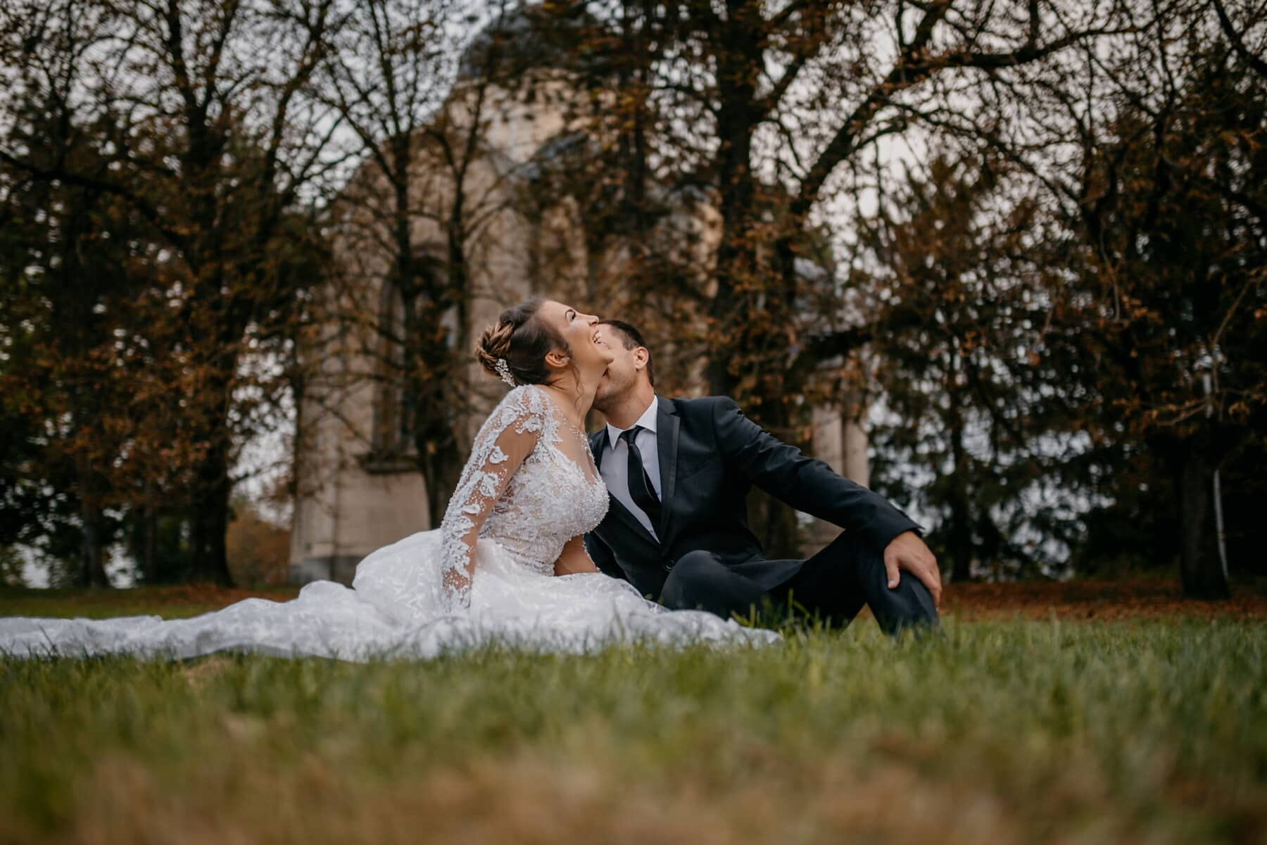happiness, enjoyment, smile, just married, lawn, picnic, sitting, love, groom, wedding