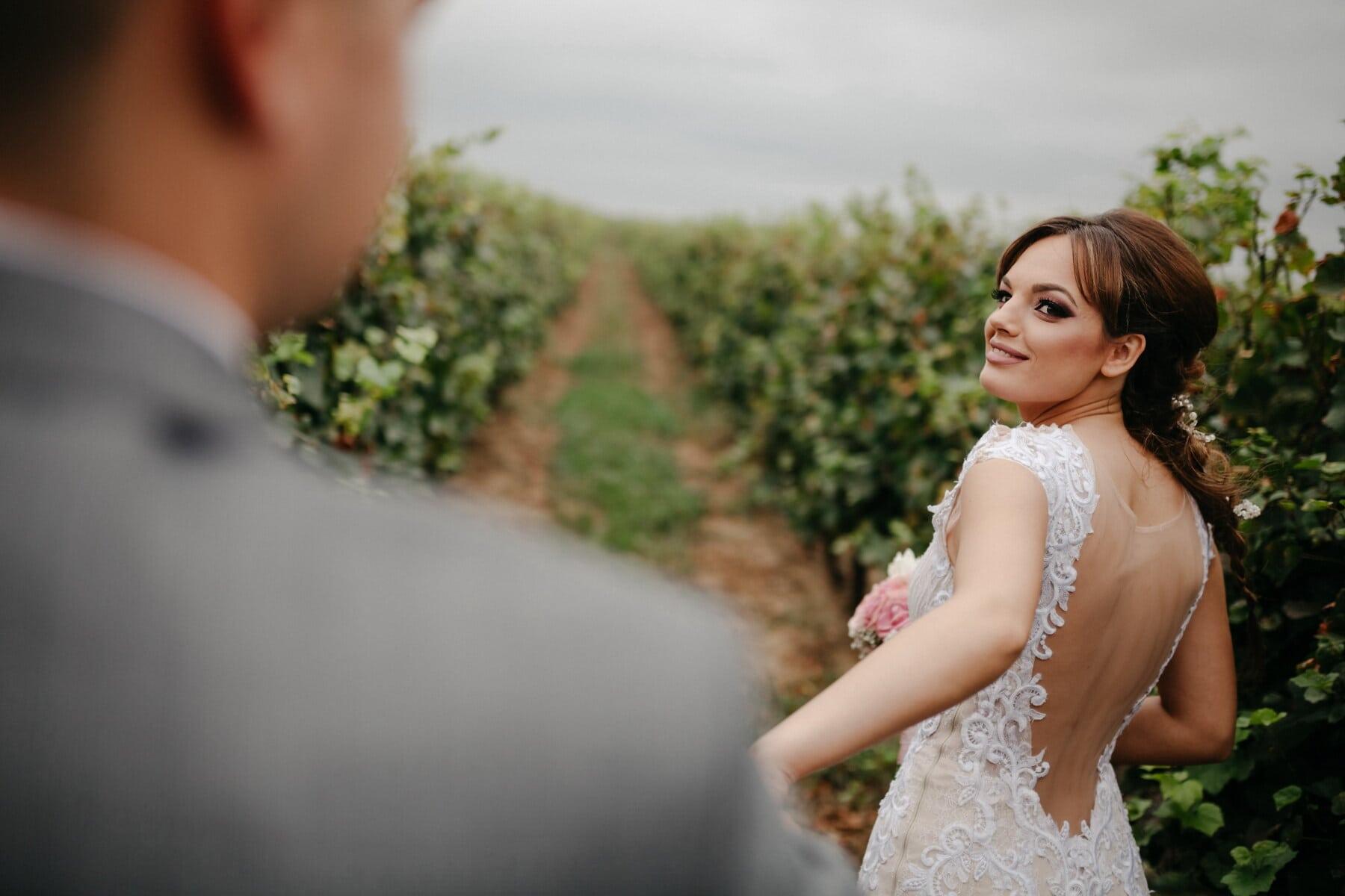 si rambut coklat, pengantin, gadis cantik, kebun anggur, sukacita, pernikahan, pengantin pria, wanita, keterlibatan, alam