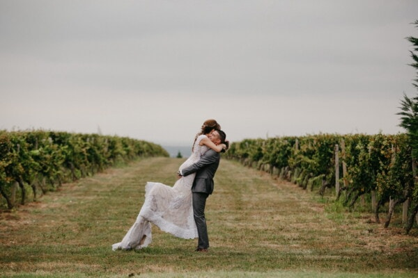 man, holding, girlfriend, vineyard, field, love, grass, girl, landscape, people