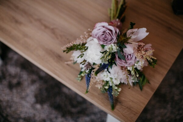 flowers, bouquet, table, corner, flower, decoration, wood, rose, leaf, still life