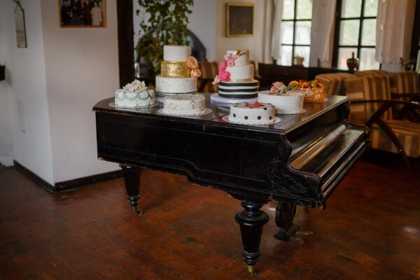 piano, wedding cake, furniture, living room, indoors, interior design, home, room, seat, house