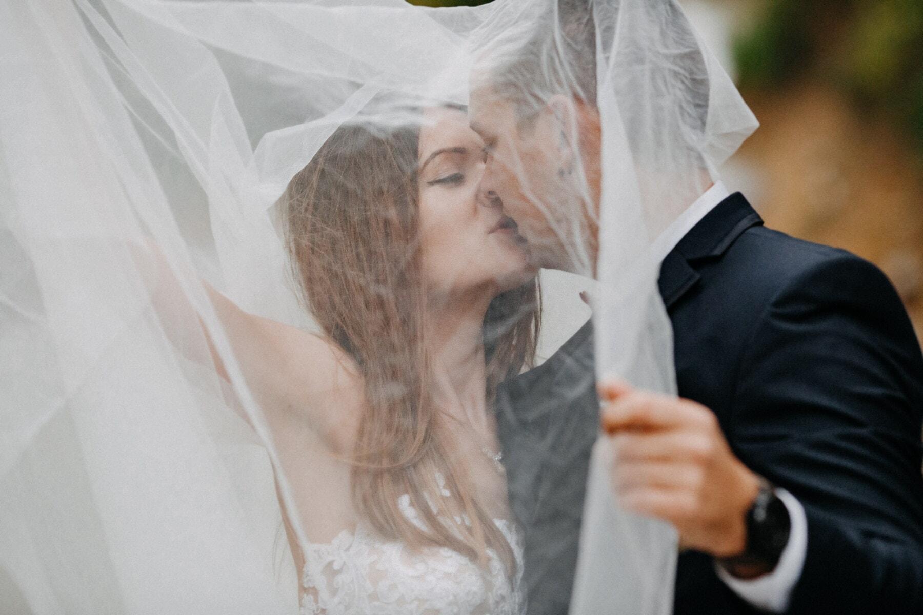 поцілунок, знизу, весільна сукня, Завіса, наречений, наречена, весілля, жінка, кохання, мода