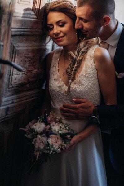 Gentleman, Hals, Kuss, Gesicht, hübsches mädchen, herrlich, Braut, Blumenstrauß, Kleid, Menschen