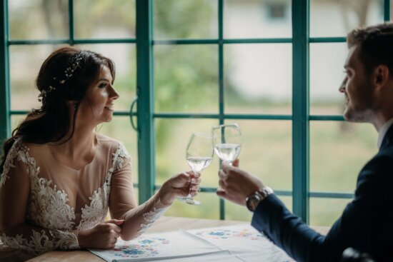 love, lover, love date, romantic, champagne, lunch, woman, people, indoors, man