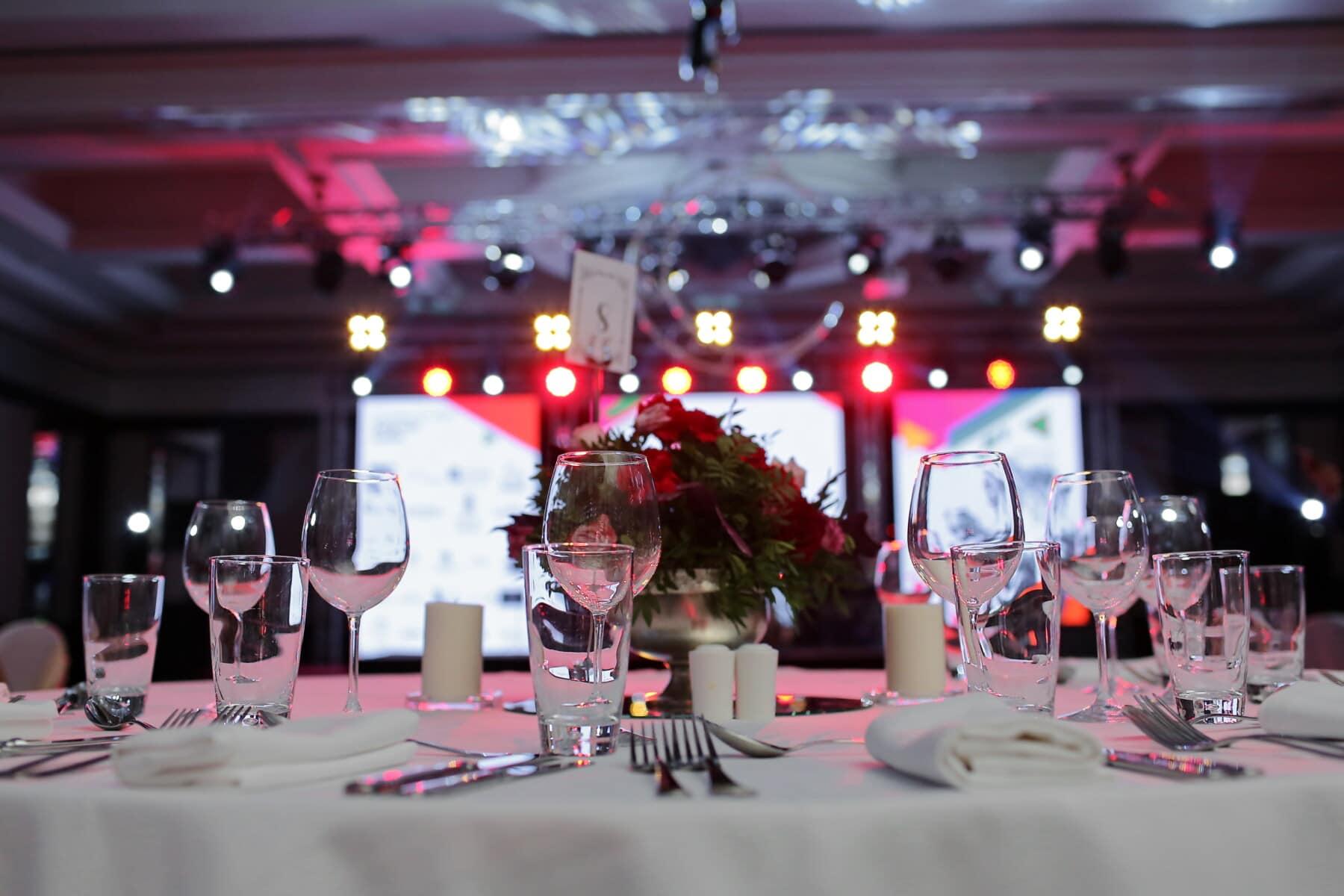 Hotel, Esstisch, Glaswaren, Tabelle, Tischdecke, Besteck, Nachtleben, elegant, Restaurant, Speise-