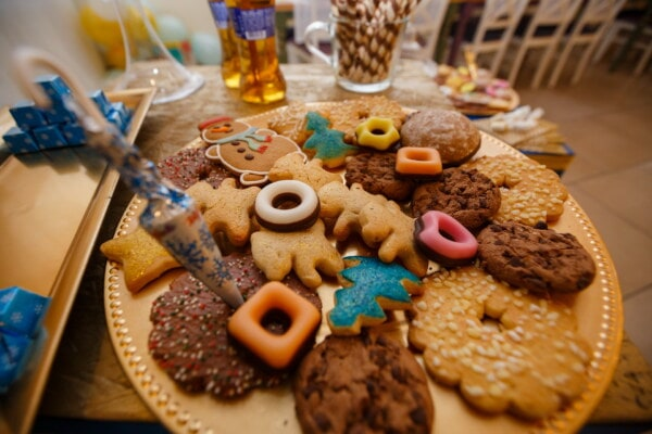 gingerbread, cookies, homemade, colorful, cinnamon, cookie, baked goods, food, snack, chocolate