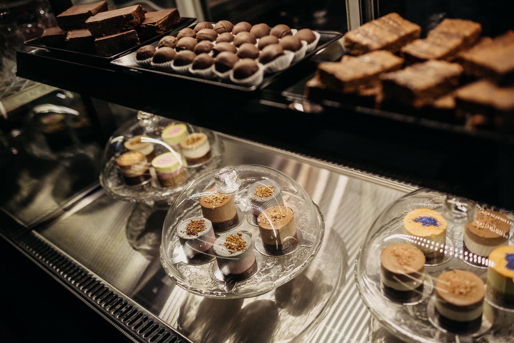 taartenwinkel, taarten, assortiment, biscuit, keukentafel, chocolade, keuken, zoet, Winkel, voedsel