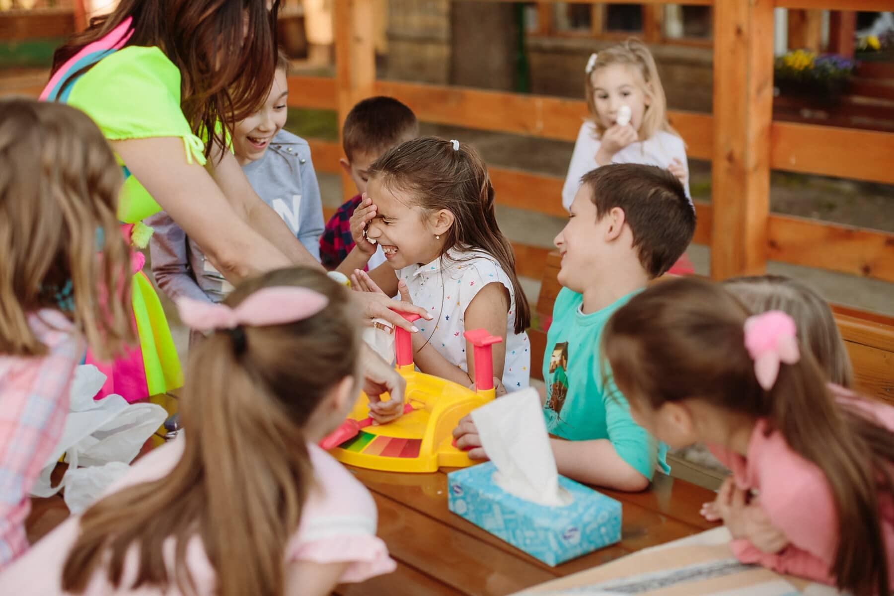 Födelsedag, skolan barn, skolpojke, Skolflicka, parti, underhållning, rolig, grupp, barn, barn