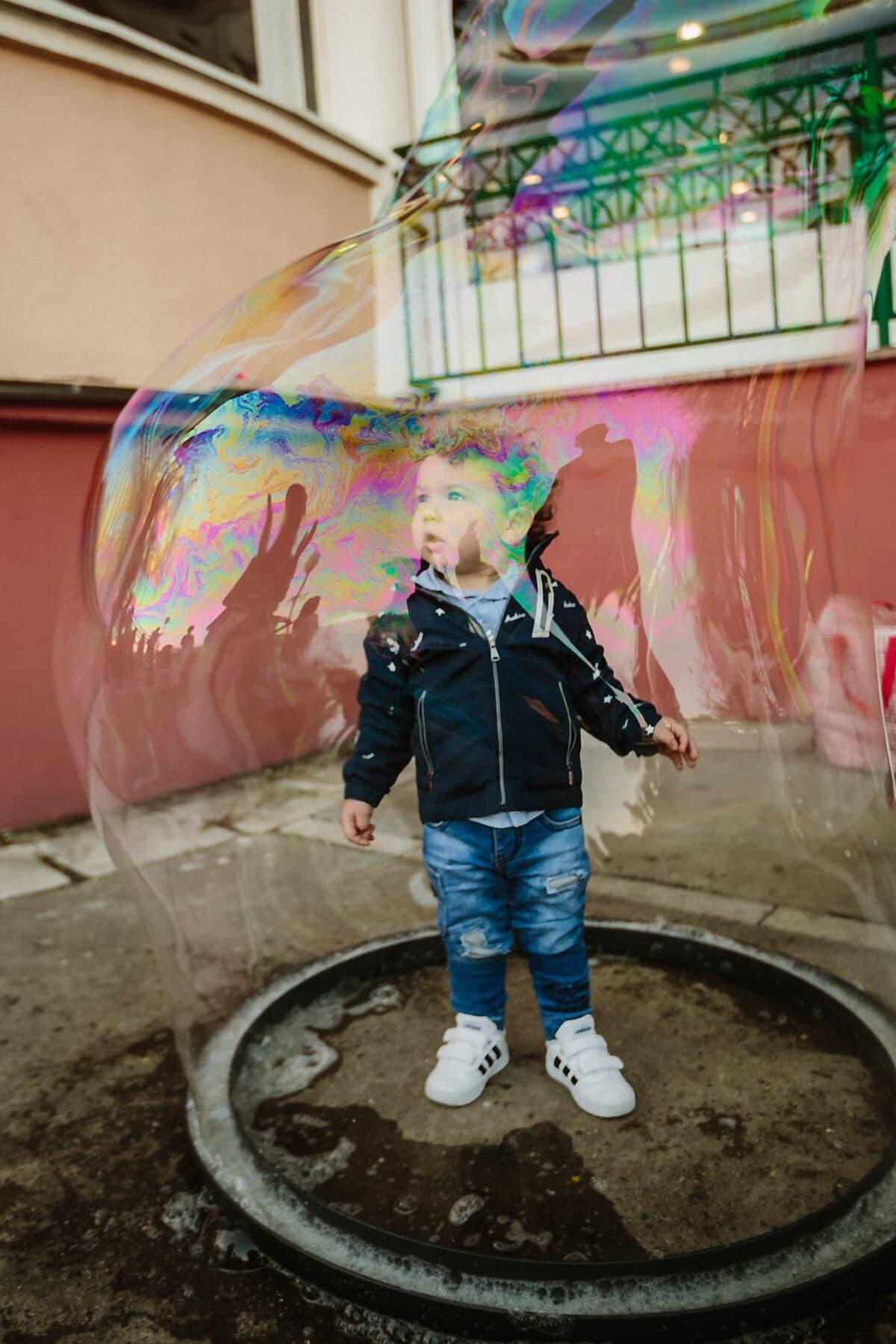 Kleinkind, Baby, stehende, Erholung, Genuss, blase, nass, transparente, Spaß, Freude