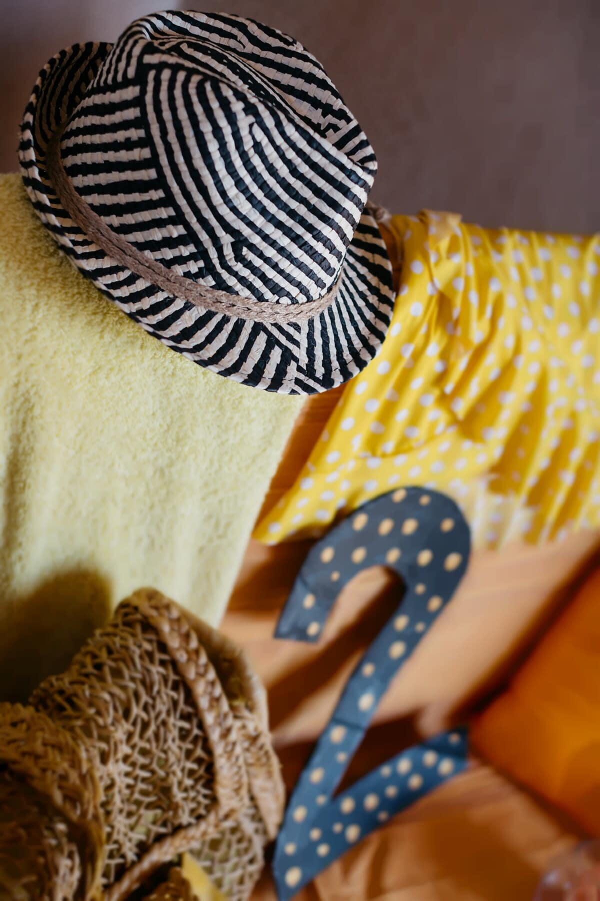 klobouk, černá a bílá, staromódní, ručník, deka, šaty, kabelka, móda, design interiéru, výzdoba interiéru